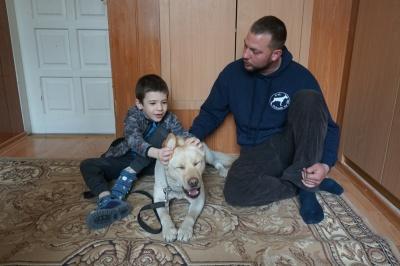 Як собака «лікує» особливих діток у Центрі реабілітації в Чернівцях - фото