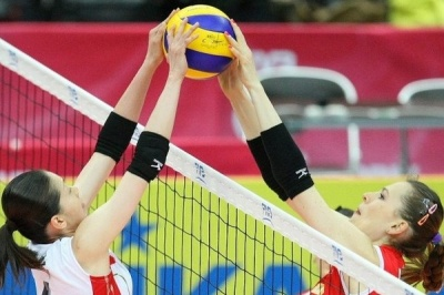 Дівоча волейбольна команда ЧНУ перемогла у турнірі пам'яті