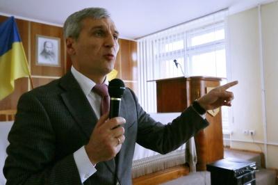 Несподіванки і феномени: що означають результати першого туру виборів на Буковині