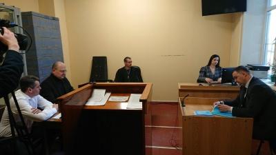 Справа Білика: свідки скаржаться на відсутність грошей на проїзд до Чернівців