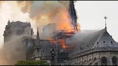 У Франції горить Собор Паризької Богоматері – відео