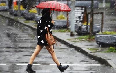"""""""У нас справжня весна"""": синоптики на Буковині прогнозують сніг та дощ"""