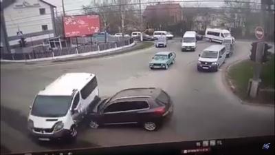 З'явилося відео з моментом аварії на Кемпінгу в Чернівцях