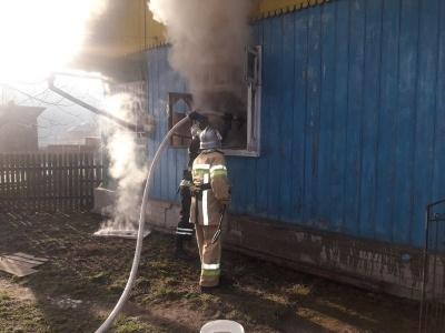 На Буковині жінка ледь не спалила будинок