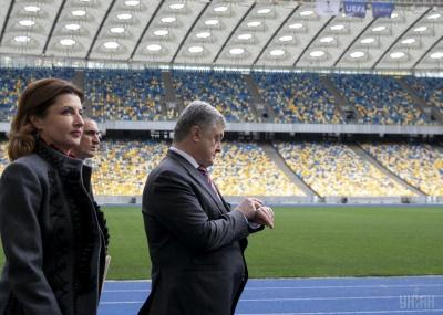 """У Порошенка просять змінити графік дебатів, щоб він встиг на """"Олімпійський"""""""