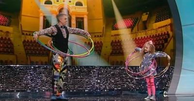 Юная черновчанка покорила талант-шоу: крутит 5 хула-хупов одновременно - видео