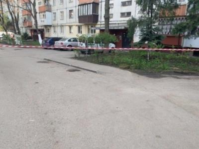 У Чернівцях біля будинку на Ентузіастів знайшли вибухівку