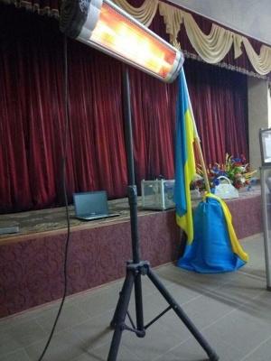 Вибори президента: спостерігачі заявили, що члени ДВК мерзнуть на дільницях Буковини