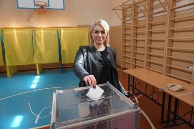 Спокійно і без порушень: як голосують Чернівці – фото
