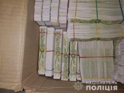 Поліцейські викрили міжнародний канал завезення спирту через Буковину: вилучили 67 тис літрів сировини