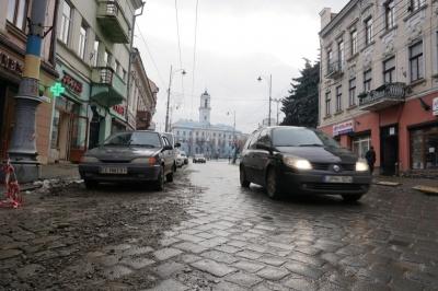 Продан хоче заборонити рух транспорту в центральній частині Чернівців