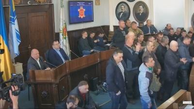 У Чернівцях група бійців АТО звинуватила Продана й депутатів у зловживаннях
