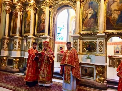 У Чернівцях єпископ УГКЦ помив ноги священикам – фото