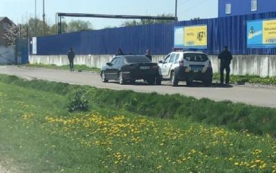 У Чернівцях біля «Епіцентру» авто патрульних потрапило в ДТП