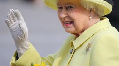11 особливостей гардеробу англійської королеви