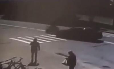 З'явилося відео моменту ДТП на Кварці з мотоциклом і легковиком