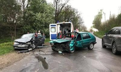 Потрійна ДТП на Буковині: постраждали 5 осіб, серед них – дитина