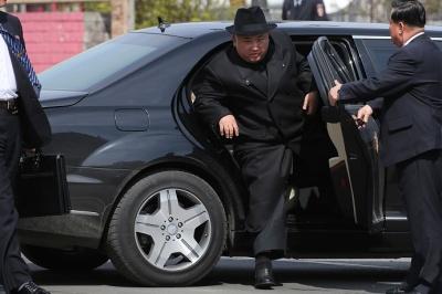 Німецький автоконцерн Daimler здивований, як їхній лімузин потрапив до глави Північної Кореї