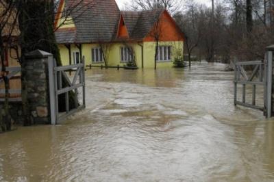 Рятувальники попереджають про можливі паводки у західних областях
