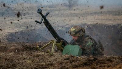 Донбас: 18 ворожих обстрілів за добу, двоє військових поранені