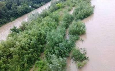 Штормове попередження: на Буковині у Пруті продовжується підйом води