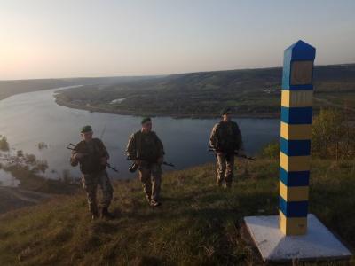 Нелегал із Гвінеї намагався незаконно перетнути кордон з Румунією на Буковині