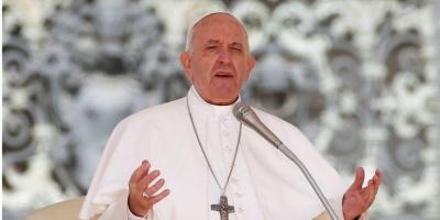 Група священиків-консерваторів звинуватили папу Франциска в єресі