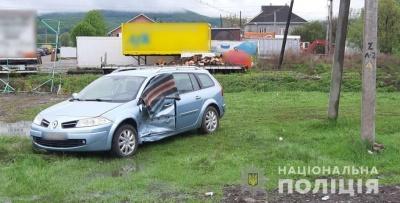 На Буковині зіткнулись два легковики, постраждала пенсіонерка