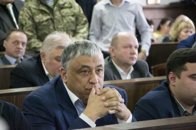 У «матрацах» – мільйони: депутати в Чернівцях зберігають готівкою значні суми