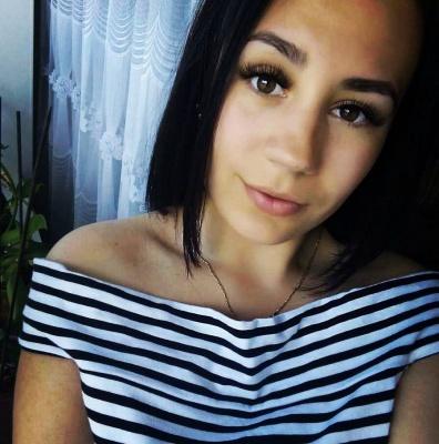 «Серце рветься, бо ти більше не з нами»: у мережі поширюють світлини загиблої в ДТП дівчини з Новодністровська