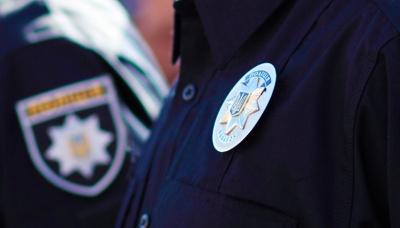 На Рівненщині жінка вкусила співробітника військкомату, який приніс повістку її синові