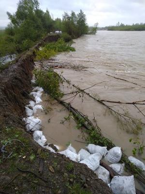 Паводок на Буковині: у мережі показали, що залишилось із дамби на Черемоші – фото