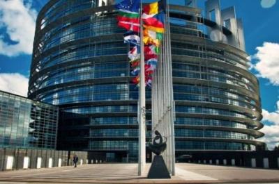 Мігранти з України вперше балотуються в Європарламент за списками партій Польщі