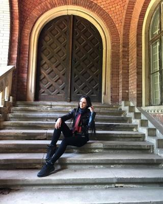 Співачка Соня Кей показала, як на Пасху відпочивала у рідних Чернівцях – фото
