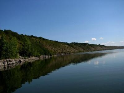На Дністрі у Чернівецькій області жителі знайшли труп невідомого чоловіка