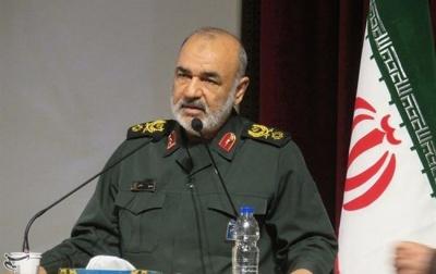"""Іран пригрозив США """"ударом в голову"""""""