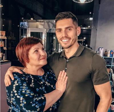 Нікіта Добринін зворушливо привітав свою маму зі святом