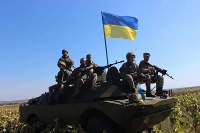 Чому варто служити за контрактом: у Чернівецькому військкоматі розповіли про зростання зарплат військовим