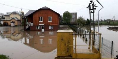 Негода в Івано-Франківській області: підтоплені сотні будинків