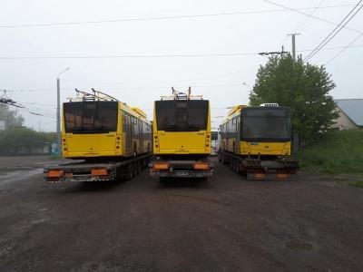 До Чернівців прибули три нові тролейбуси на автономному ходу – фото