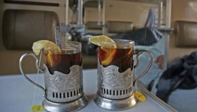 Все по 10: Укрзалізниця запровадила єдину ціну на напої
