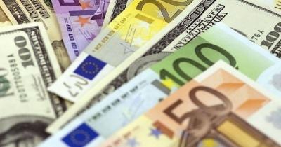 Курс валют: гривня трохи знизилася до долара
