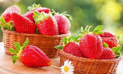 Супрун розповіла про користь полуниці та як її правильно їсти