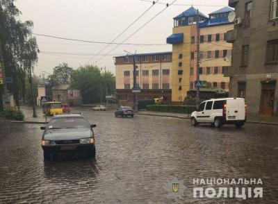 Травма черепа й перелом гомілки: у поліції розповіли деталі ДТП на вулиці Гагаріна