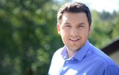 До Чернівців приїде відомий телеведучий і психолог Дмитро Карпачов