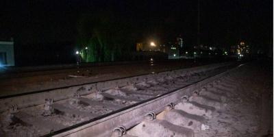 У Києві електричка збила чоловіка у навушниках: потерпілий вижив