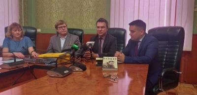 У Чернівцях презентували освітній проект «Бранці Кремля»