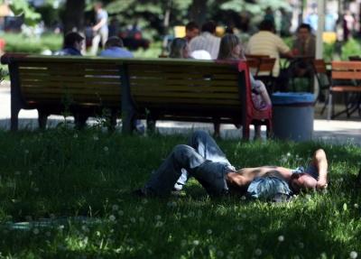 Вихідні у червні: скільки українці відпочиватимуть на Трійцю та День Конституції