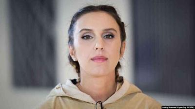 Заспівала в скляному кубі: Джамала презентувала новий кліп Solo