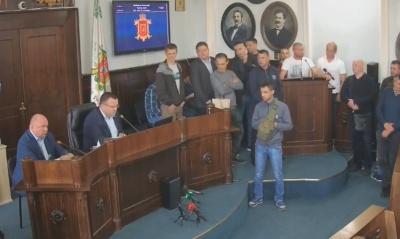 Чернівецька міськрада нарешті вирішила земельний скандал, через який бійці АТО блокували трибуну